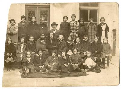 scuola francesco petrarca inizio anni 20.jpg